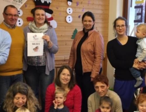 Ein Nikolaussack voller Geld – Spende für das Mütter- und Familienzentrum Roth e.V.